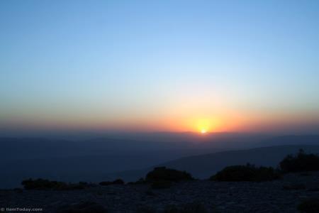 تماشای طلوع آفتاب بر فراز کبیرکوه