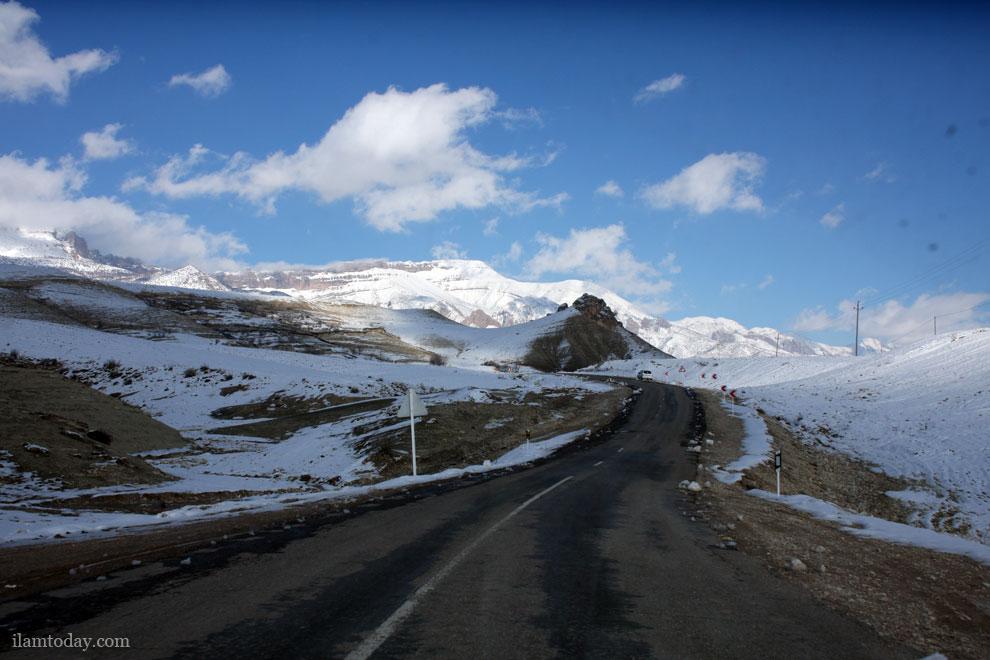 جاده روستای مهر به سمت شهر ملکشاهی